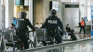 【台湾】呉佩蓉(ごはいよう)かわいい警察官に指名手配犯の自首が殺到!